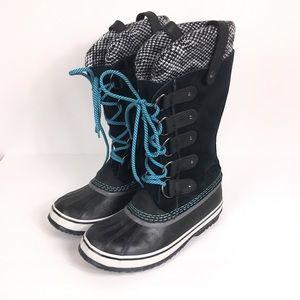 SOREL black and blue Joan of Arctic duck boots